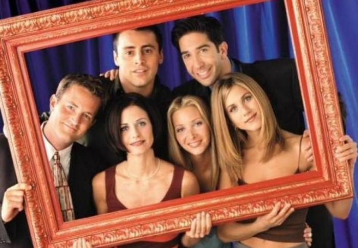 Como seria se Friends fosse gravado no Brasil? Veja os famosos que estariam no elenco da série