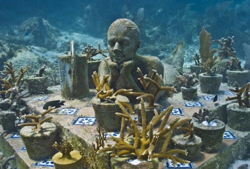 Afinal, o que acontece com o corpo humano morto no fundo do oceano?