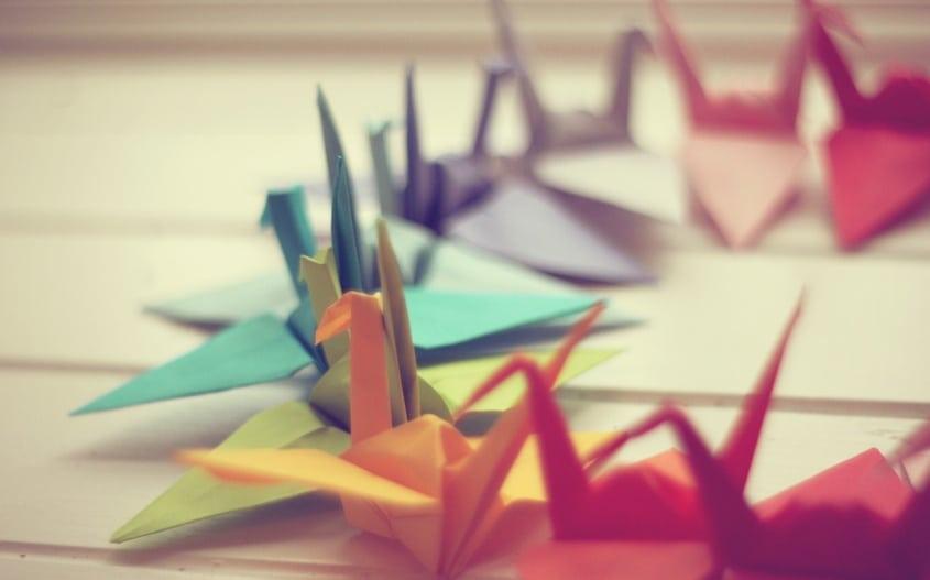 Se você conseguisse dobrar um papel ao meio 103 vezes o Universo acabaria!