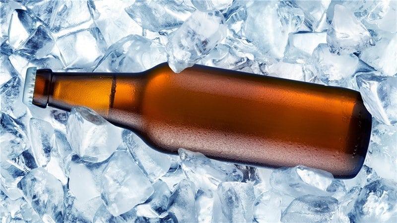 3 truques incríveis para gelar sua cerveja em poucos minutos