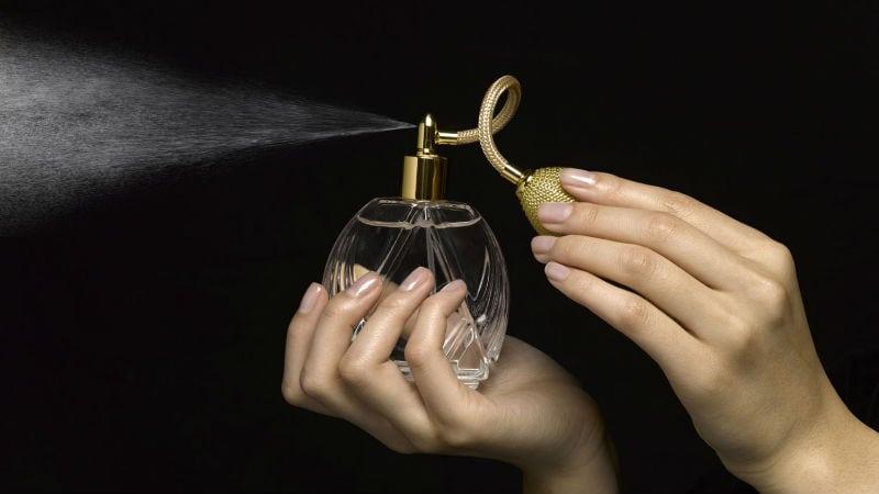 Os perfumes mais usados por homens e mulheres que traem