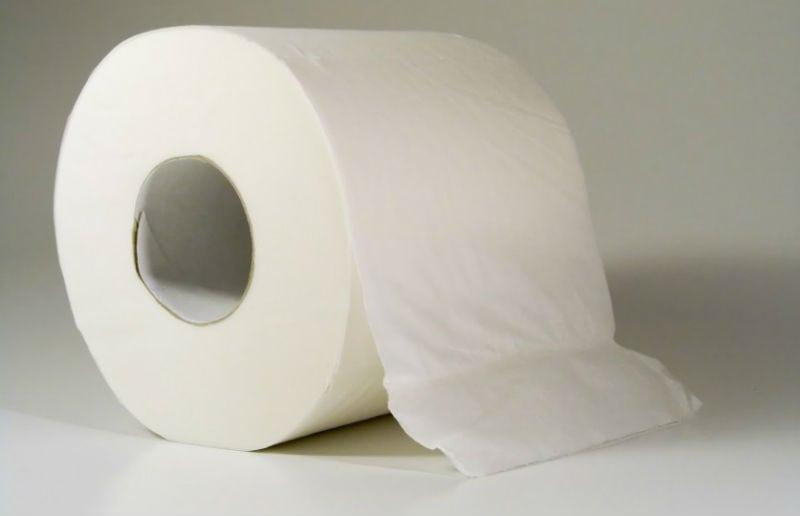 A prova de que o papel higiênico é usado errado há mais de um século