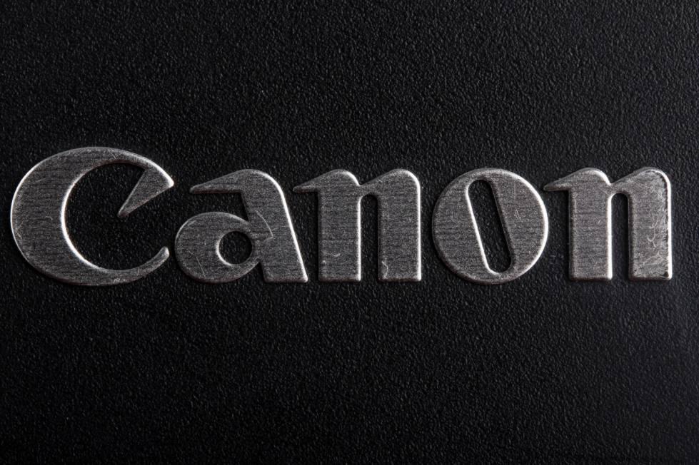"""8eb5acaf9 Antes de se tornar uma das marcas famosas mundialmente, a Canon se chamava  Kwanon, que, na Ásia, significa """"deusa"""". A empresa só mudou seu nome para  Canon ..."""