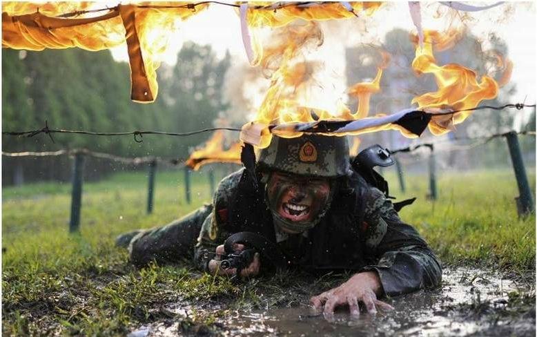 Mas os treinamentos militares chineses não param por aí. No extremo Norte  do País 25861934a89