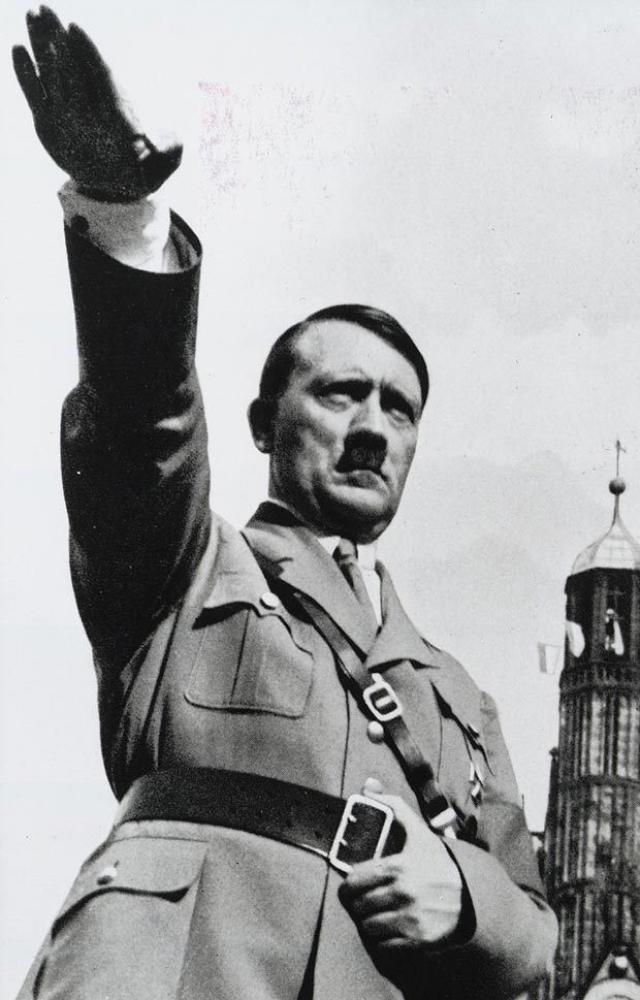 As fotos proibidas que Hitler tentou esconder do público