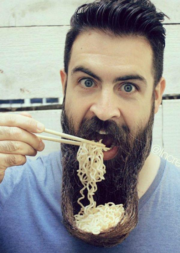 O que acontece com seu estômago quando você come miojo