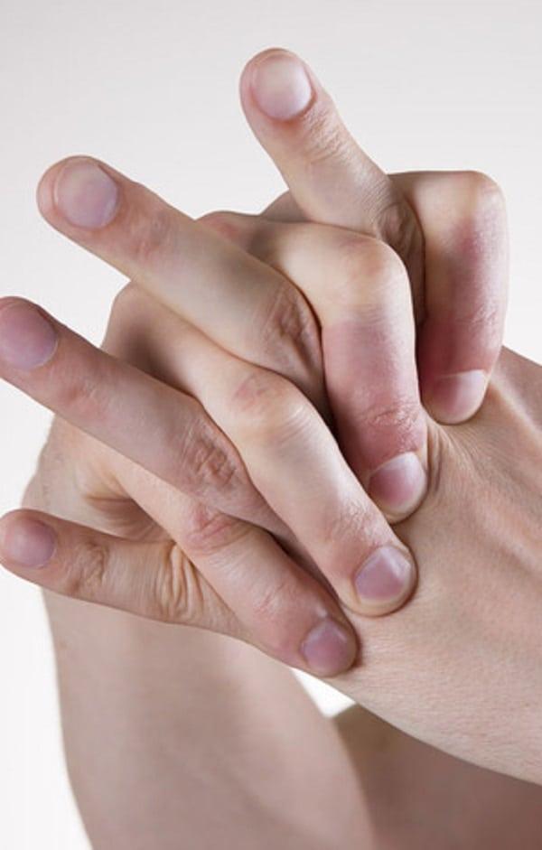 O que realmente acontece quando você estala os dedos?