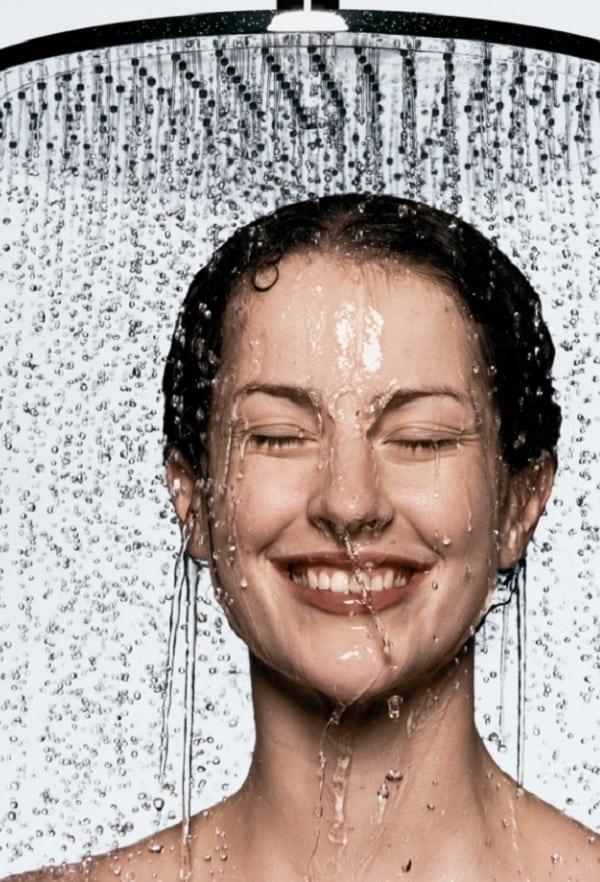 Quantas vezes você, realmente, precisa tomar banho?