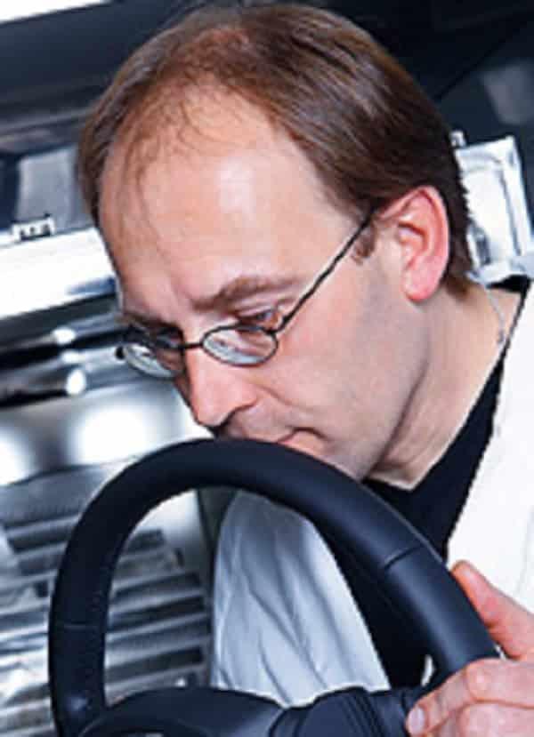 Como é feito o cheiro de carro novo?