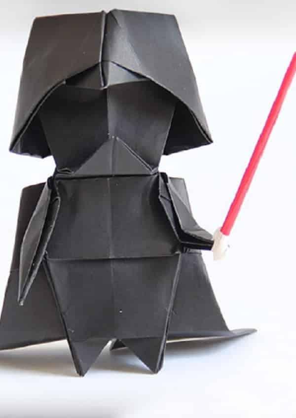 Aprenda a fazer um origami de Darth Vader