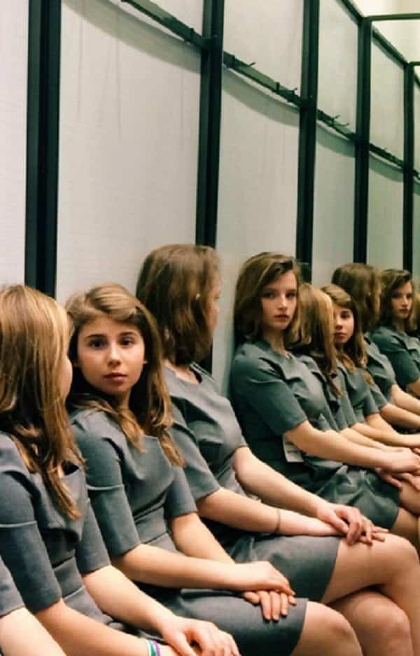 Quantas meninas aparecem na foto? Descubra o segredo da imagem