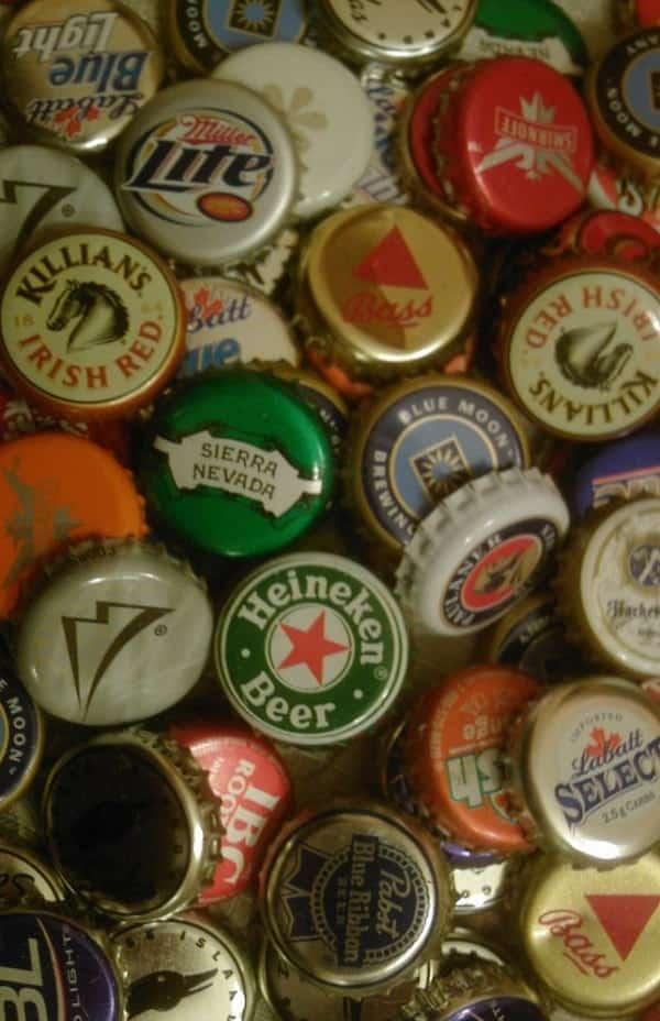 10 formas criativas de reutilizar tampinhas de garrafa em casa