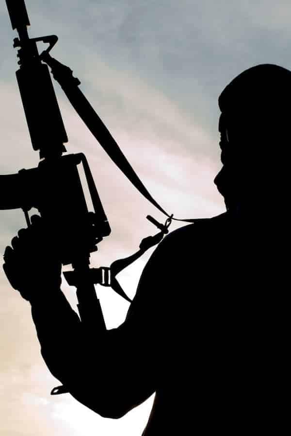 O que fazer se você estiver no meio de um ataque terrorista?