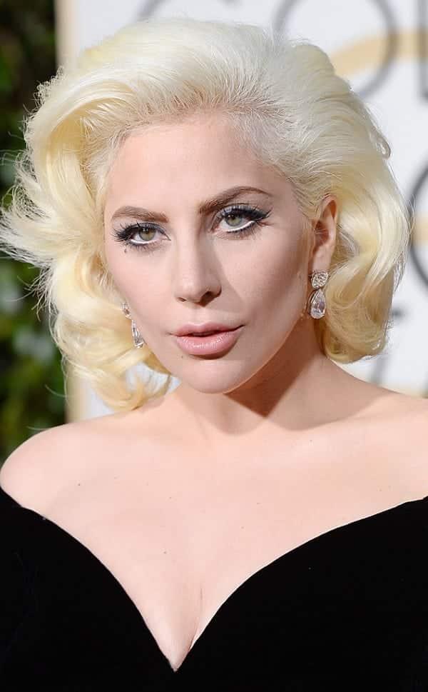 11 famosas que admitem ter cirurgias plásticas