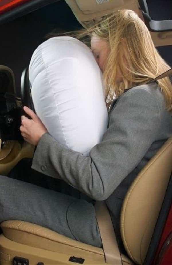 Onde fica escondido o ar do air bag no seu carro?