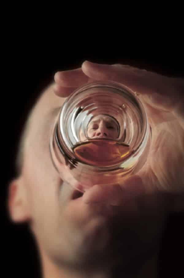 O que acontece quando você tem um apagão de tanto beber?
