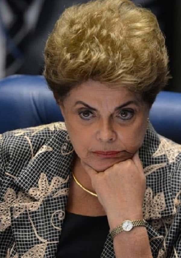 Impeachment de Dilma é aprovado e Temer assume Presidência