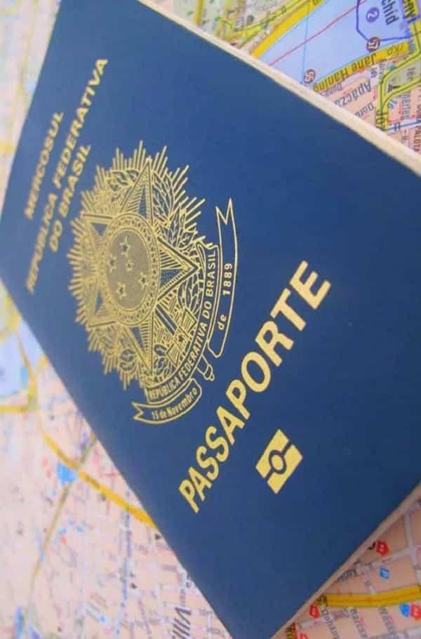 Descubra o que quer dizer a cor do seu passaporte