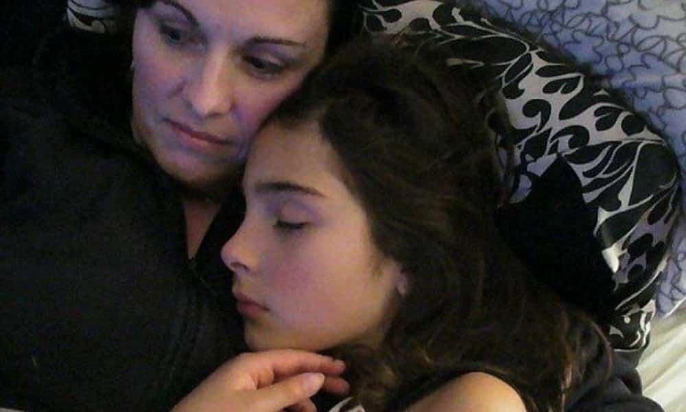 Mãe publica carta de adeus da filha que suicidou após estupro