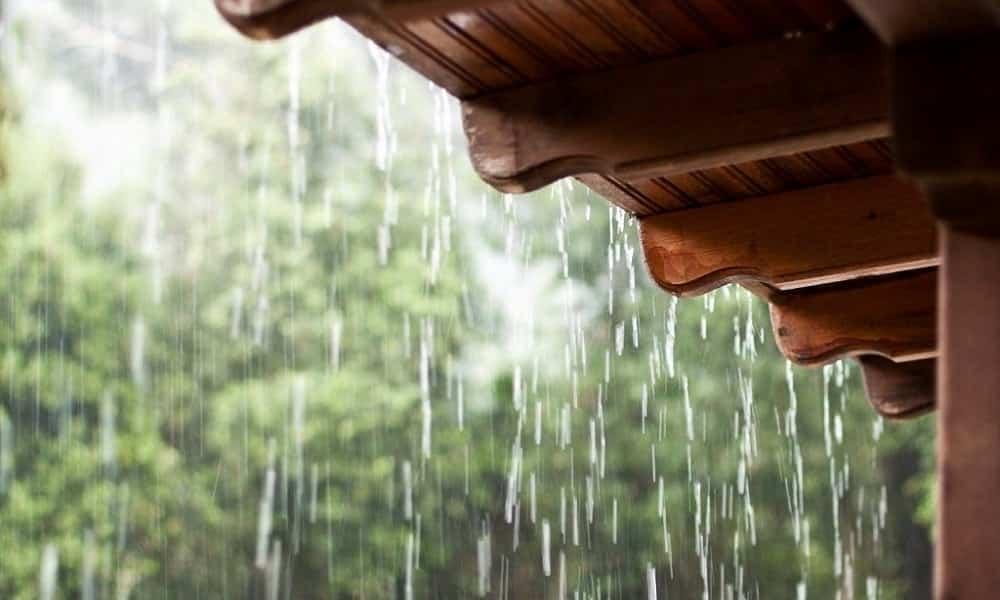 Como surge o cheiro de chuva ou de terra molhada?