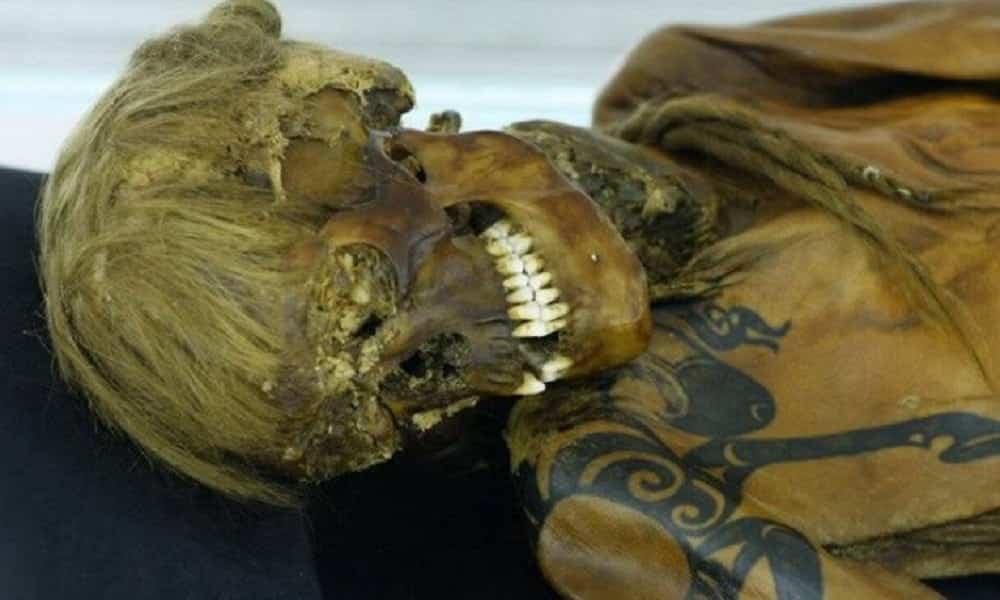 Cientistas reconstituem rosto de múmia de 2.500 anos [Vídeo]