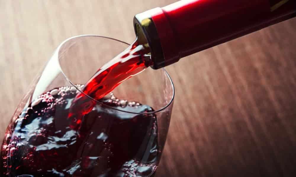 Uma taça de vinho equivale a 30 minutos de exercício, segundo a Ciência