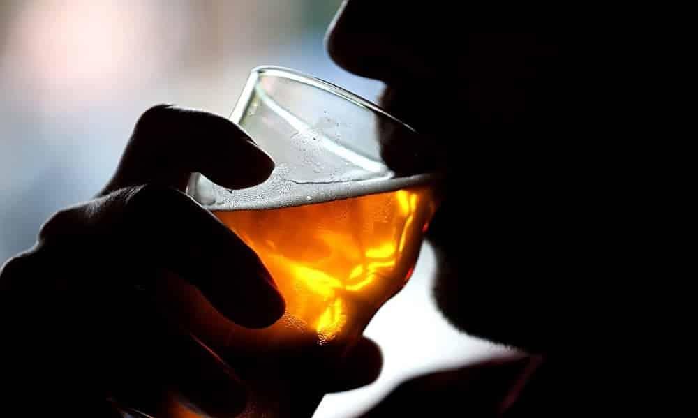 Bebidas alcoólicas podem causar até 7 tipos de câncer