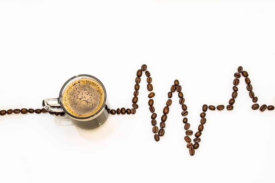 Tomar café logo após o almoço pode fazer MUITO mal a saúde