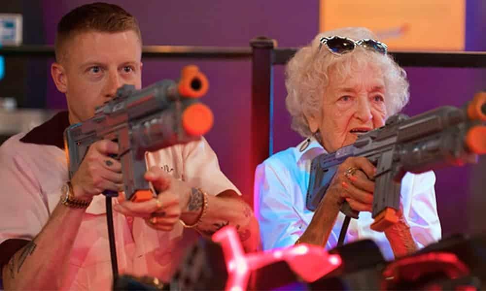 Neto realiza todos os sonhos da avó em aniversário de 100 anos