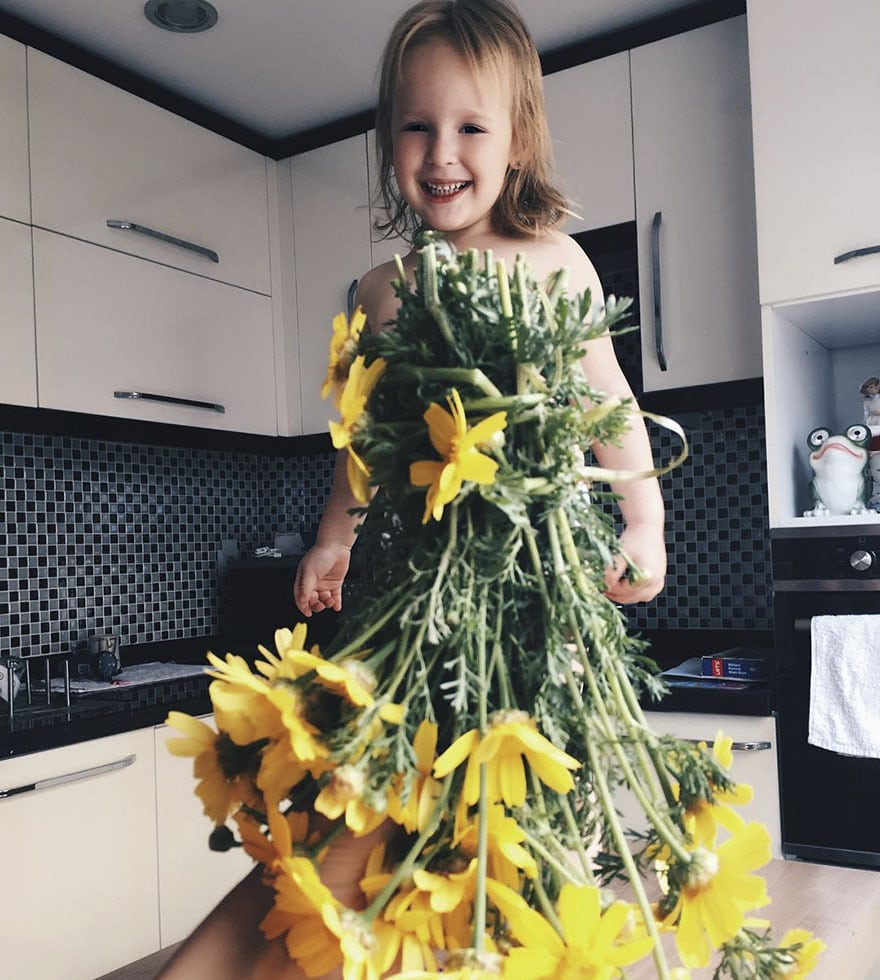 mae-filha-fotos-vestir-vegetais-frutas-perspectiva-fofo21