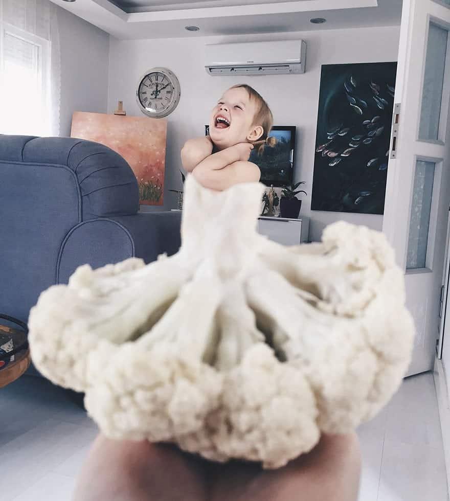 mae-filha-fotos-vestir-vegetais-frutas-perspectiva-fofo3