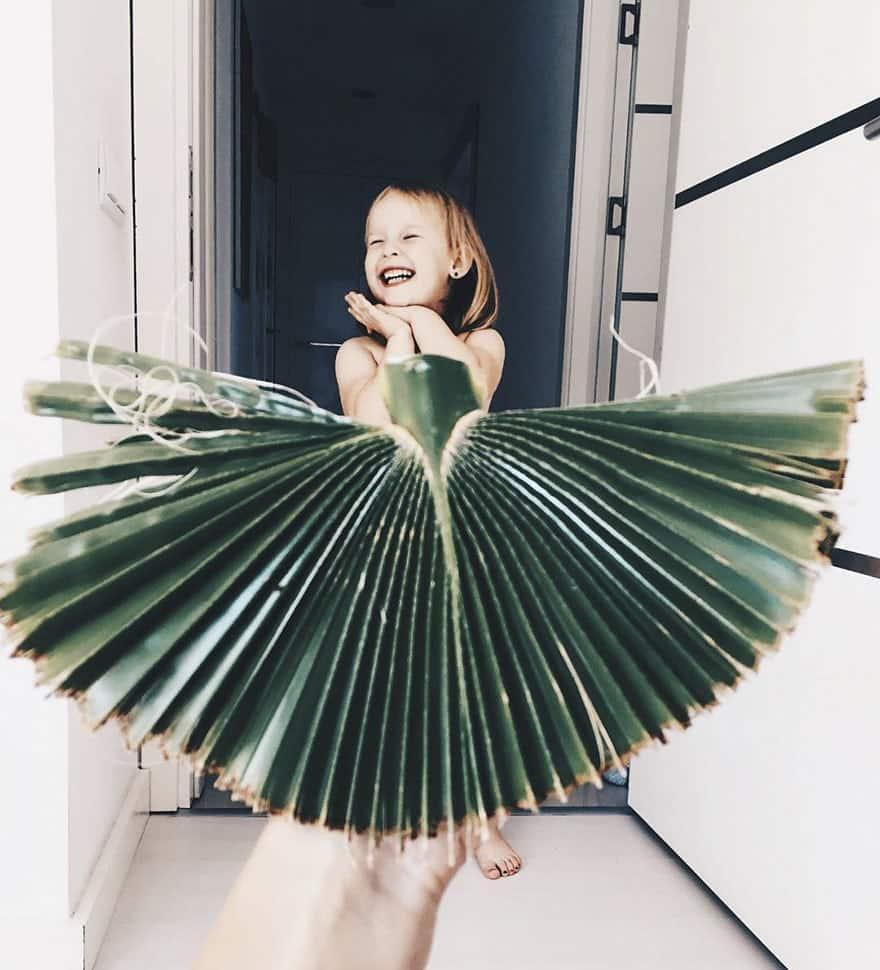 mae-filha-fotos-vestir-vegetais-frutas-perspectiva-fofo8