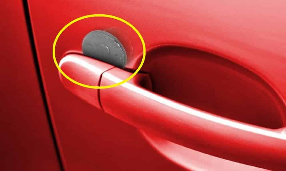 Se você encontrar uma moeda na porta do carro é melhor ficar em alerta