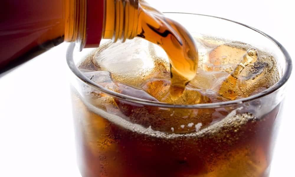 Refrigerante diet pode aumentar risco de AVC e demência