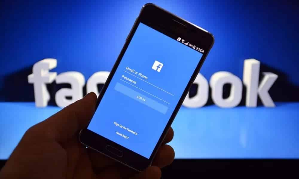 Por que você deveria desinstalar o Facebook do celular agora mesmo
