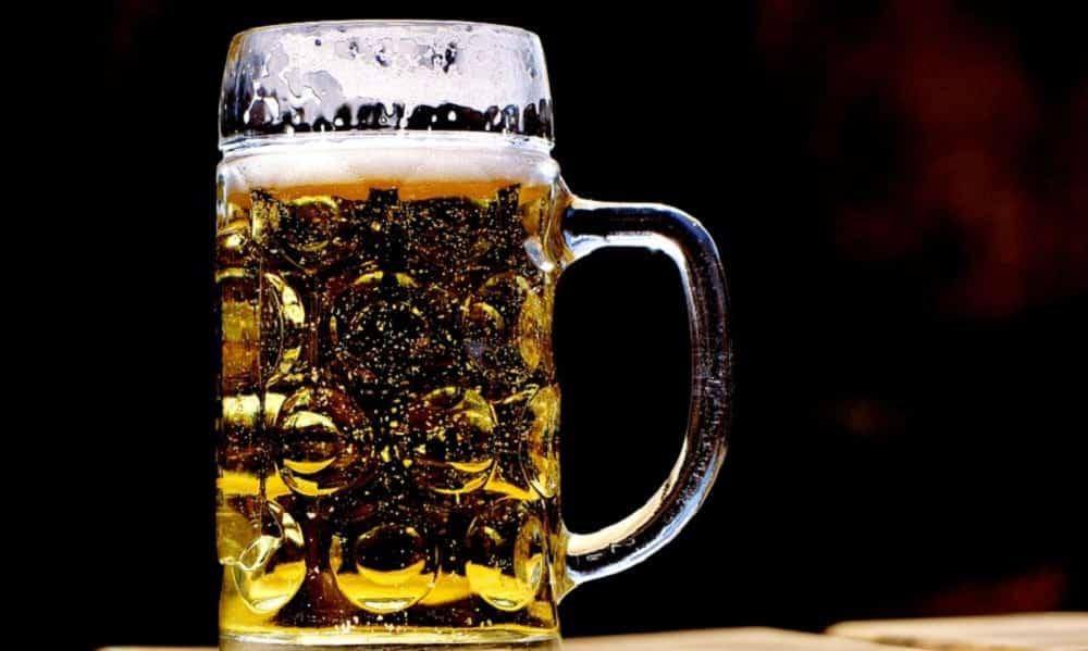 Ciência revela que cerveja ajuda a memorizar conteúdos que você acabou de estudar