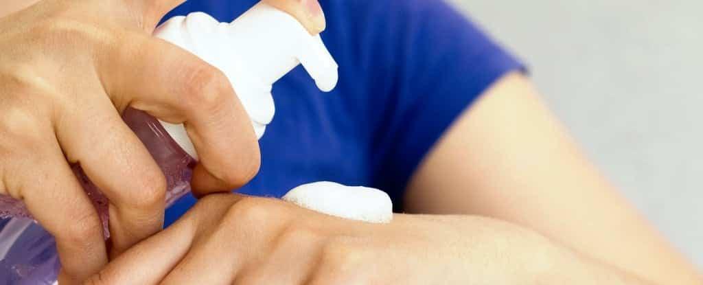 Este ingrediente comum no sabonete anti-séptico pode ser realmente perigoso