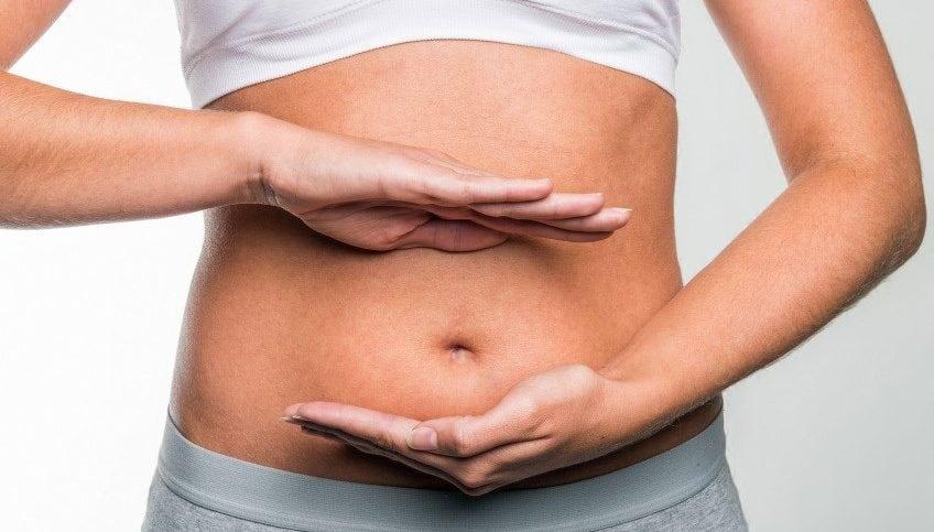 A síndrome que pode fazer você parecer estar grávida de 7 meses do dia para noite