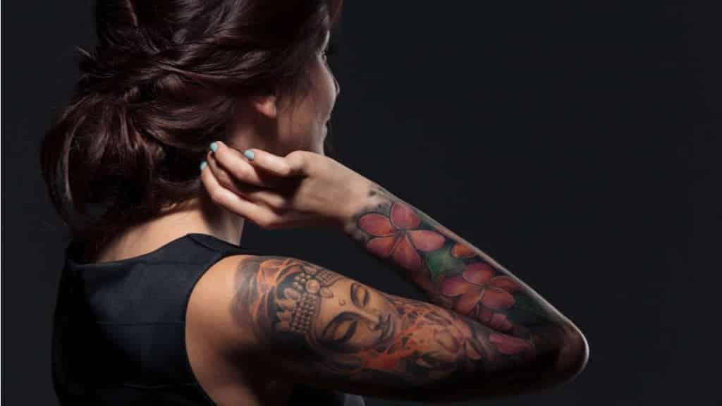 Tatuagens podem fazer você suar menos, e isso não é nada bom