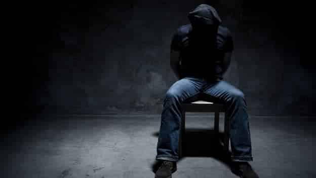 Tortura - 10 músicas inocentes que já foram usadas por torturadores