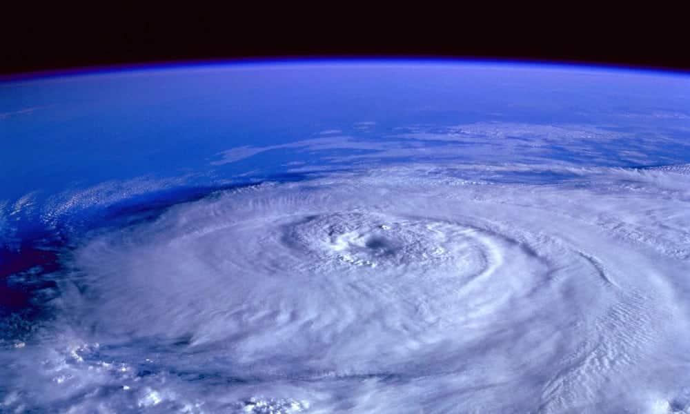 Como são escolhidos os nomes dos furacões e porque os furacões com nome de mulher são os mais mortais