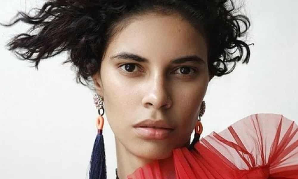 Conheça Roza Figueira, a porteira que virou modelo internacional