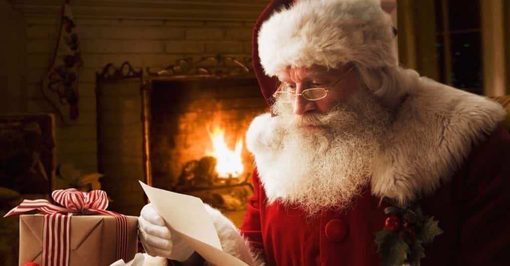 baa99226b Uma das lendas por exemplo, que deu origem ao Papai Noel surgiu ainda no  Velho Mundo. Quando o Império Romano estava se desintegrando a cultura dos  povos ...
