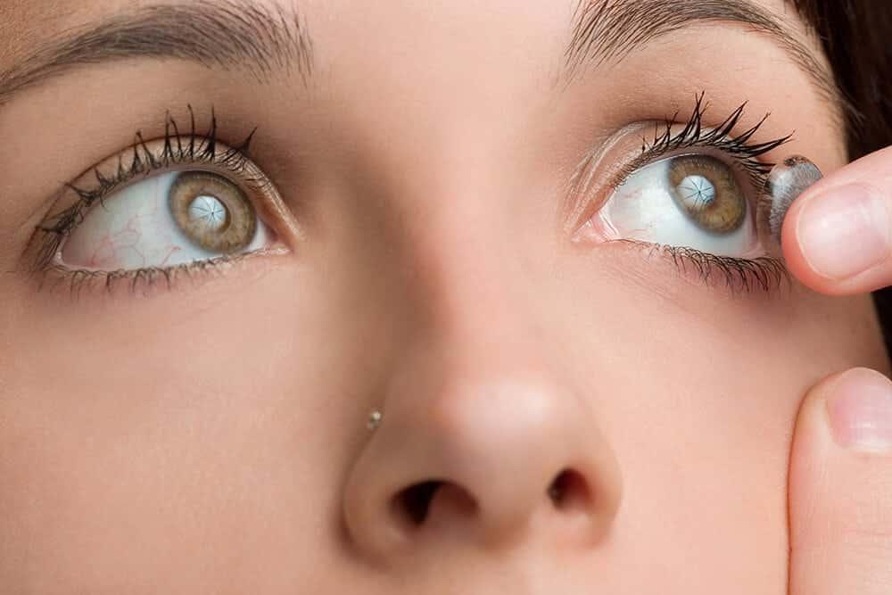 098332ebb As lentes coloridas sem dúvida alguma é o método mais popular e mais seguro  para quem quer mudar a cor dos seus olhos. Por serem cientificamente  testadas, ...