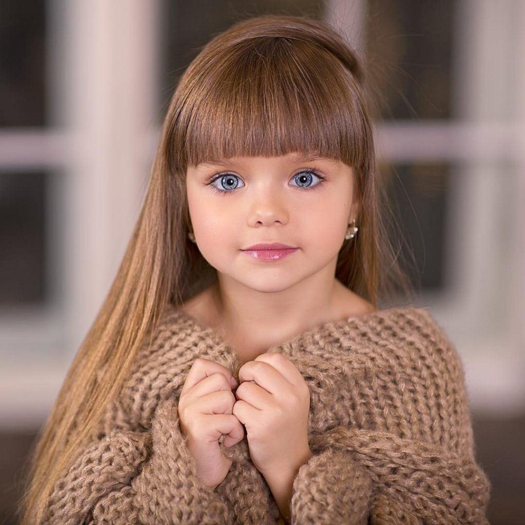 A menina mais bonita do mundo é uma russa de 6 anos ...
