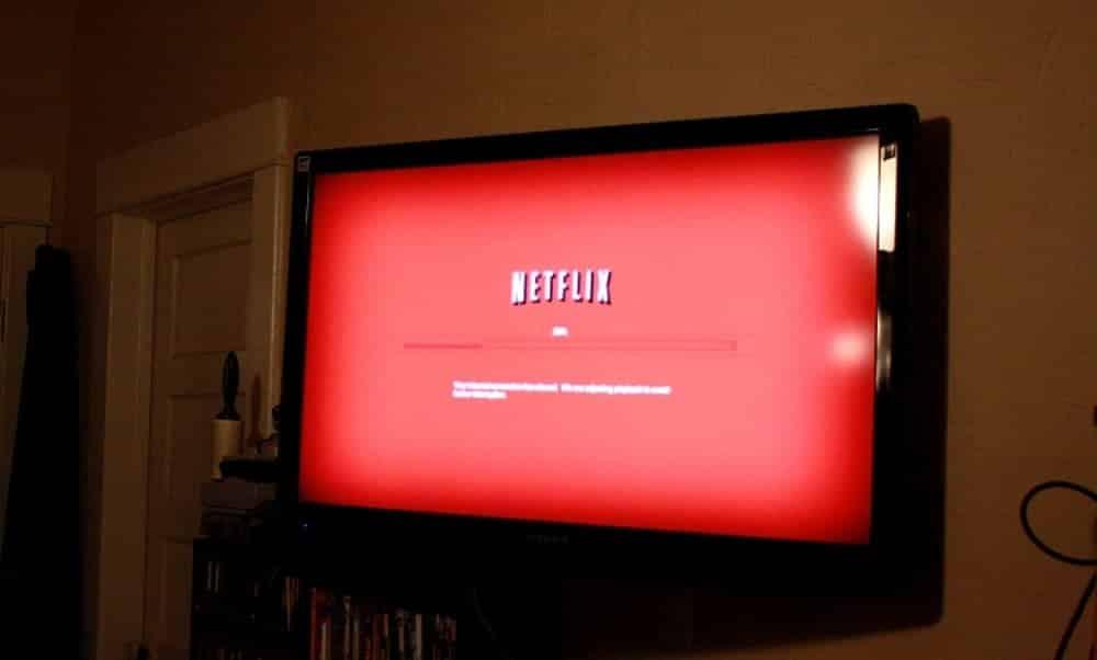 Usuário recebe mensagem da Netflix depois de uma semana vendo série