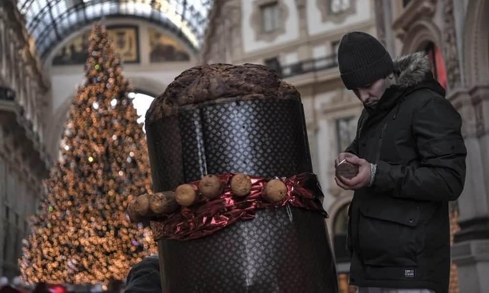 Itália comemora Natal com maior panetone do mundo