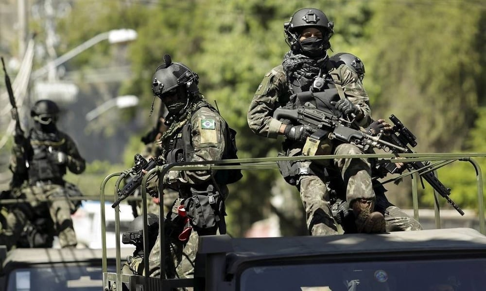 Saiba quanto é o salário dos 3 mil militares da intervenção militar do Rio