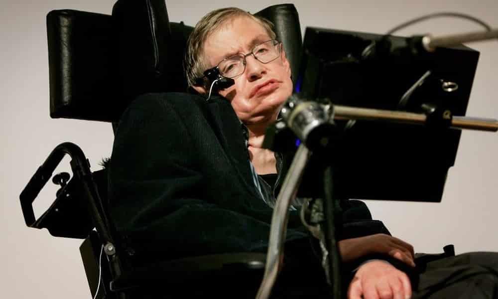 Físico inglês Stephen Hawking morre aos 76 anos
