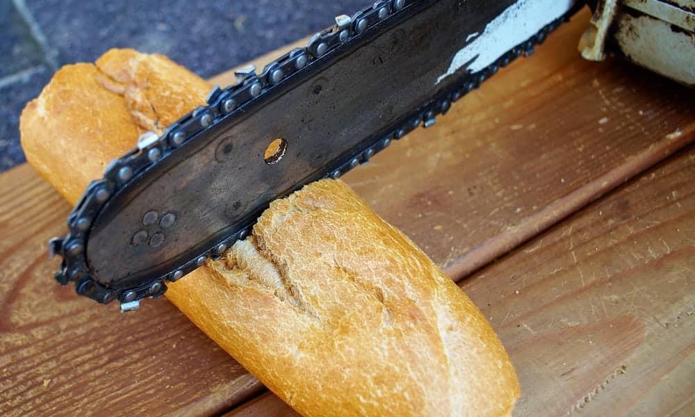 É por isso que o pão francês endurece e o pão de forma não